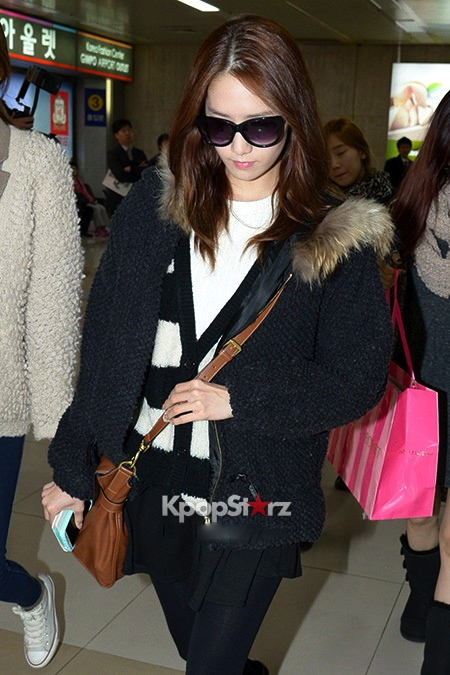 56482-girls-generation-airport-fashion-march-6-2013